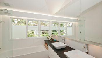 double_bathroom_vanity