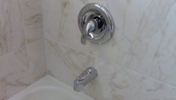 bathroom_shower_faucets