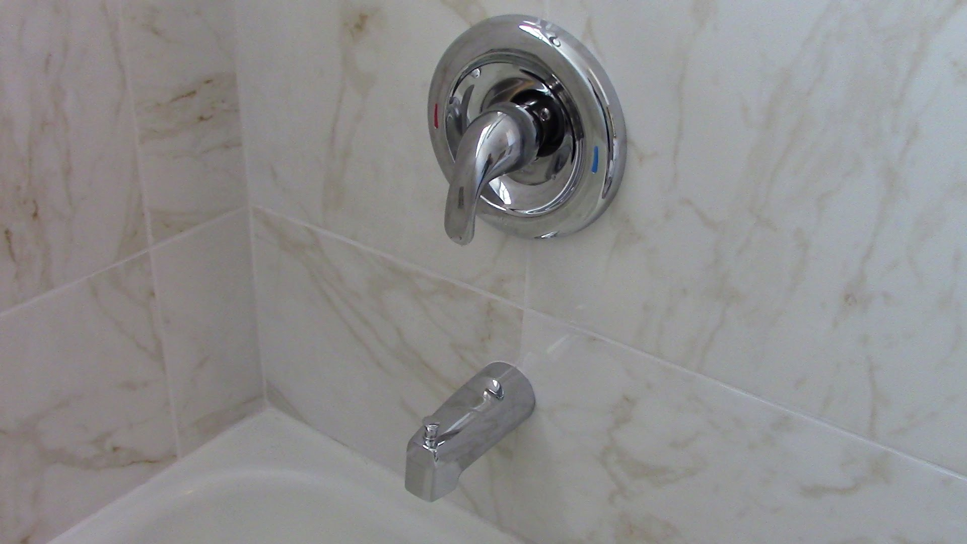 bathroom tub and shower faucets