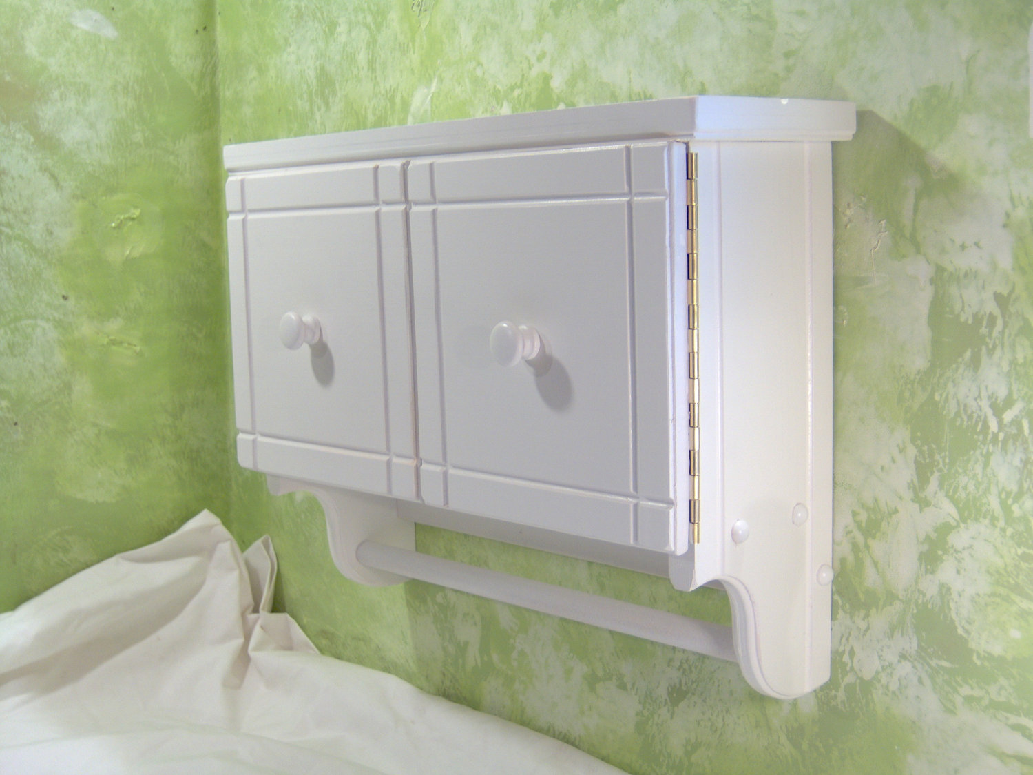 Bathroom wall cabinets white